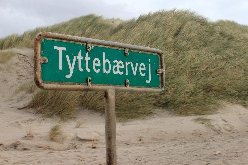 Strassenschild Tyttebaervej Henne Strand
